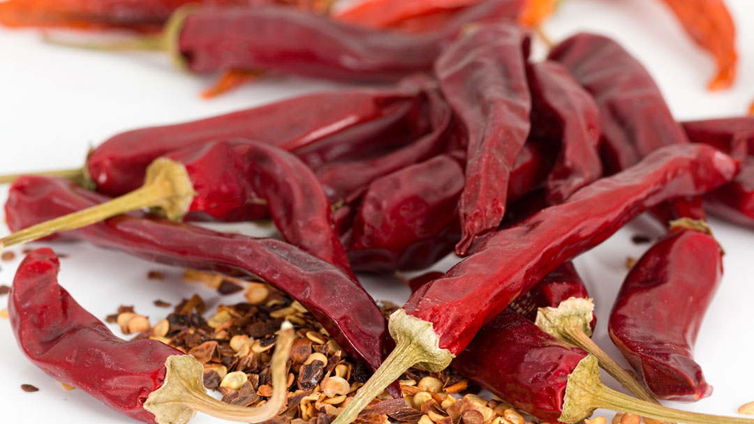 dried whole red chilies (sabut sukhi lal mirch)